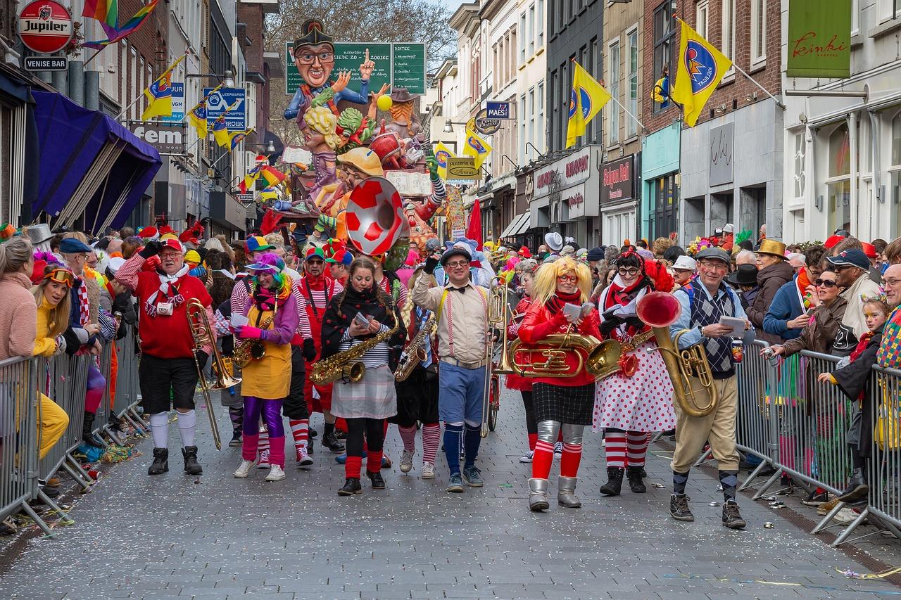 carnival-4051376_1280.jpg